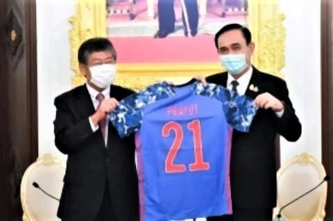 pict-梨田大使によるプラユット首相表敬.jpg