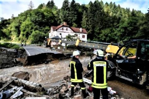 pict-独西部で洪水、42人死亡 多数が行方不明.jpg