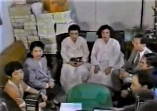 pict-福島瑞穂(左端)と朝日植村ママ.jpg