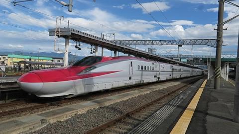 pict-秋田新幹線大仙市の踏切2.jpg