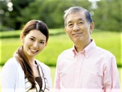 pict-老人と若い女性のデート2.jpg