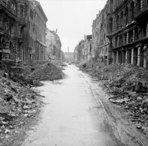 pict-荒廃したベルリン(1945年6月3日)2.jpg