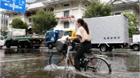 pict-都心の道路も冠水した(9日、東京・中央区).jpg