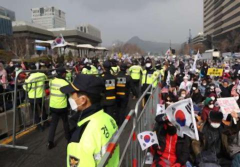 pict-韓国の感染者400人超=連日激増デモ.jpg