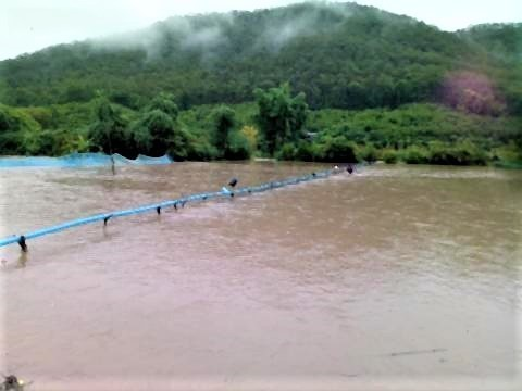 pict-Flash floods in Phrao.jpg