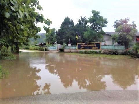 pict-Flash floods in Phrao3.jpg