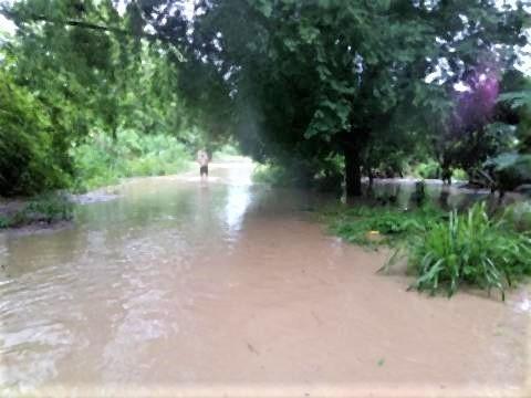 pict-Flash floods in Phrao4.jpg