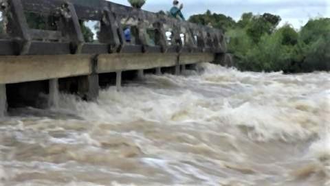 pict-Flooding in Nakhon Ratchasima.jpg