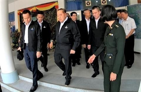 pict-Gen Prawit Visits Chiang Mai .jpg