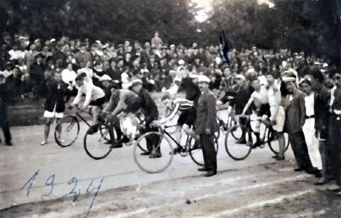 pict-Jews and Sport Before the Holocaust7.jpg