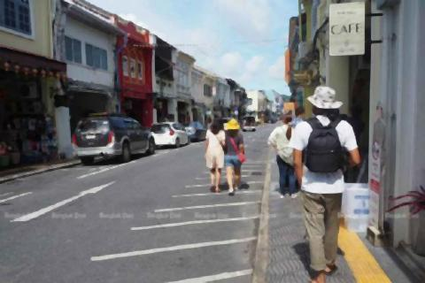 pict-Local tourists in Phuket Old Town.jpg