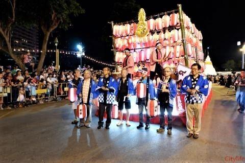 pict-Loy Krathong Parade.jpg