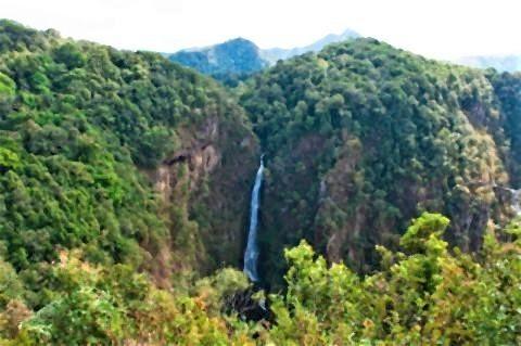 pict-Mae Surin Waterfall.jpg
