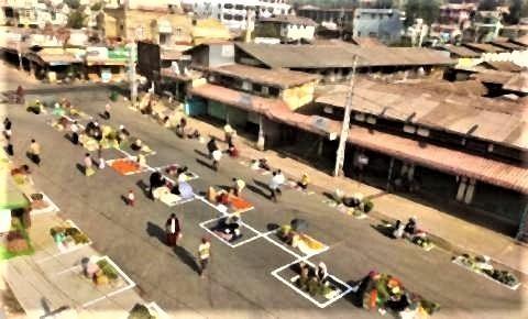 pict-Myanmar market over social distancing3.jpg