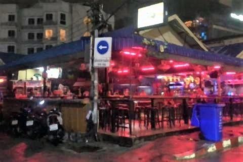 pict-Pattaya Soi 6 on July 1,.jpg