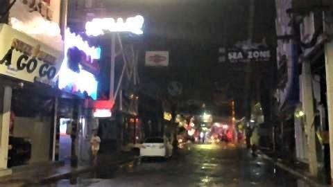 pict-Pattaya Soi 6 on July 1,2.jpg