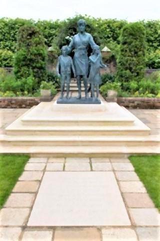 pict-Princess Diana's New Statue.jpg