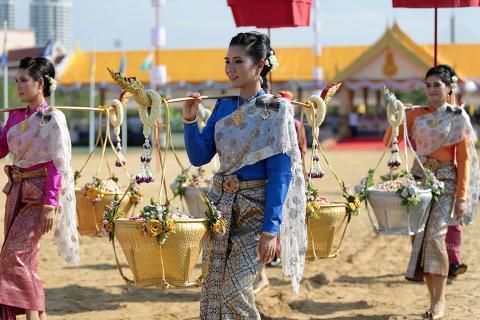 pict-Royal Ploughing Ceremon2.jpg