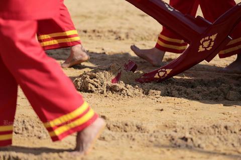 pict-Royal Ploughing Ceremon3.jpg