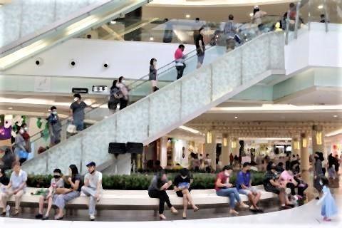pict-Shopping malls reopen 3 Future Park Rangsit.jpg