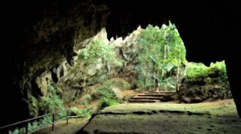 pict-Tham Luang Cave.jpg