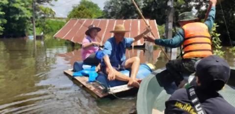 pict-Ubon flooding 3.jpg