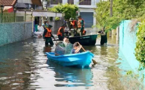 pict-Ubon flooding 4.jpg