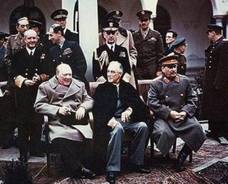 pict-Yalta_summit_1945_with_Churchill,_Roosevelt,_Stalin.jpg