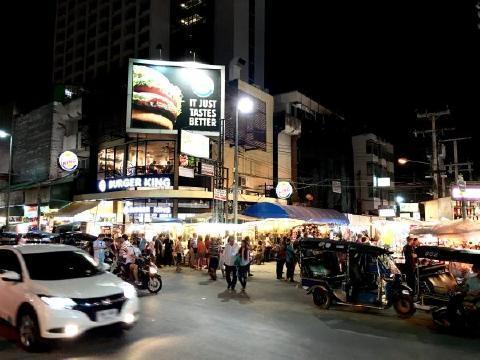 pict-chiang-mai-night-bazaa.jpg