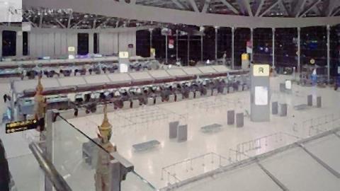 pict-empty Suvarnabhumi Airport 4.jpg