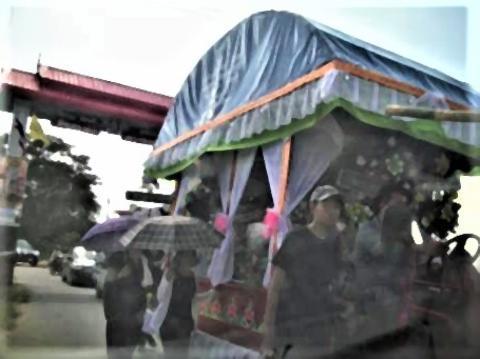 pict-pict-DSCN6181葬式の行列 (3).jpg