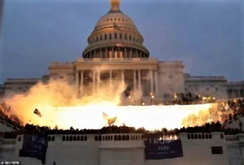 pict-pict-トランプ支持者がアメリカ議会を占拠.jpg