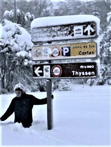 pict-pict-マドリードの雪の深さ.jpg