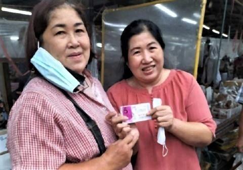 pict-woman wins 30 million lottery.jpg